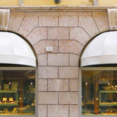 Pensiline su misura a Brescia e sul Lago di Garda, Furnari Tendaggi